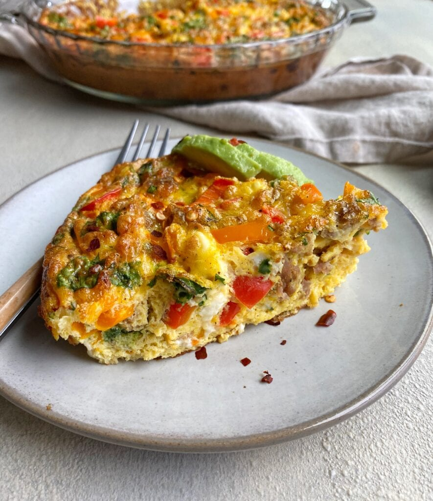 Breakfast that can be prepped for the week! This breakfast egg bake is simple and delicious.